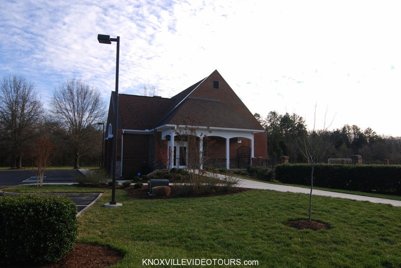 Fox Run Knoxville clubhouse