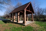 Fox Run Knoxville covered picnic area