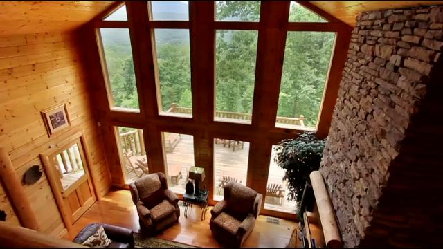 Video: Beautiful Smoky Mountain Cabin Rental With Amazing Views, Pinnacle  View
