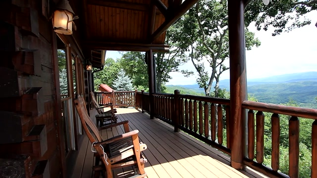 Video of luxury Jim Barna log home with breathtaking views